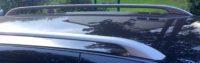 Fahrzeug mit Dachreeling